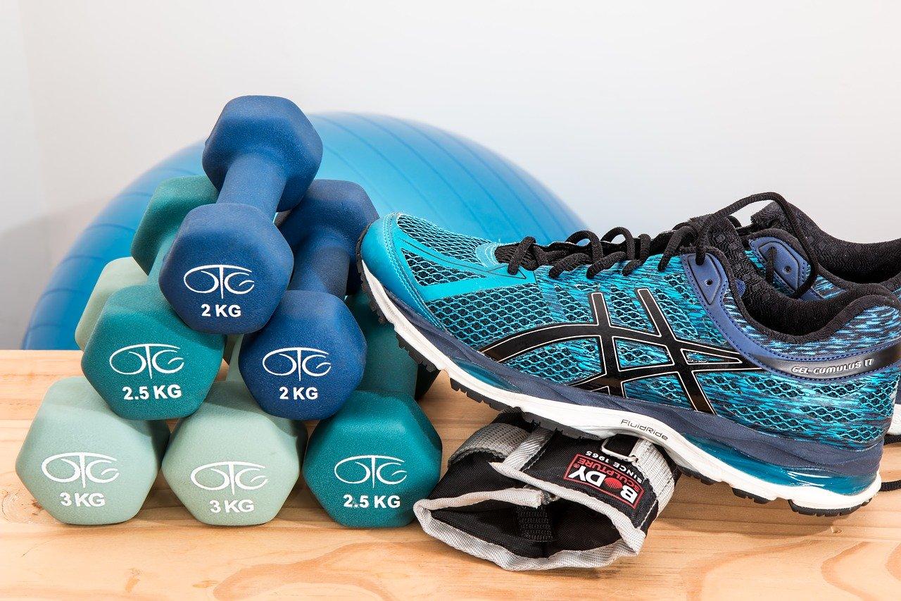 Material básico para hacer ejercicio en casa y ponerse en forma para principiantes